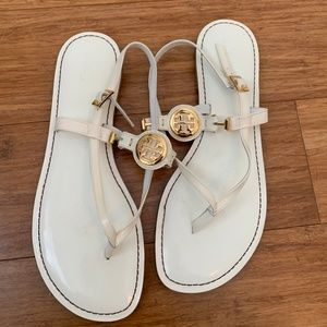Tory Burch White Patent Leather Ali Sandals EUC